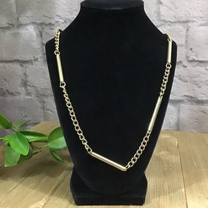 🍭 SALE! 3/$10 Gold tone chain pipe necklace